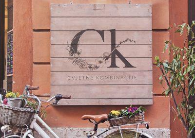Cvjetne kombinacije logo na ulazu